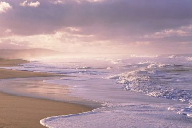 Easy_Waves_Coastline_Atlantic_Ocean